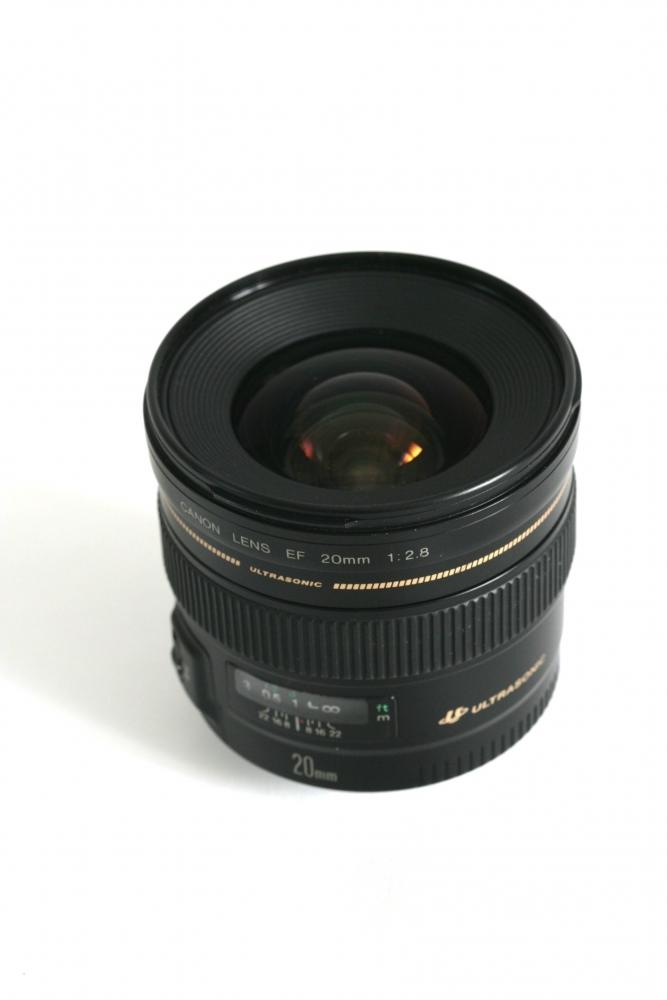20mm F:2.8 £15 per day