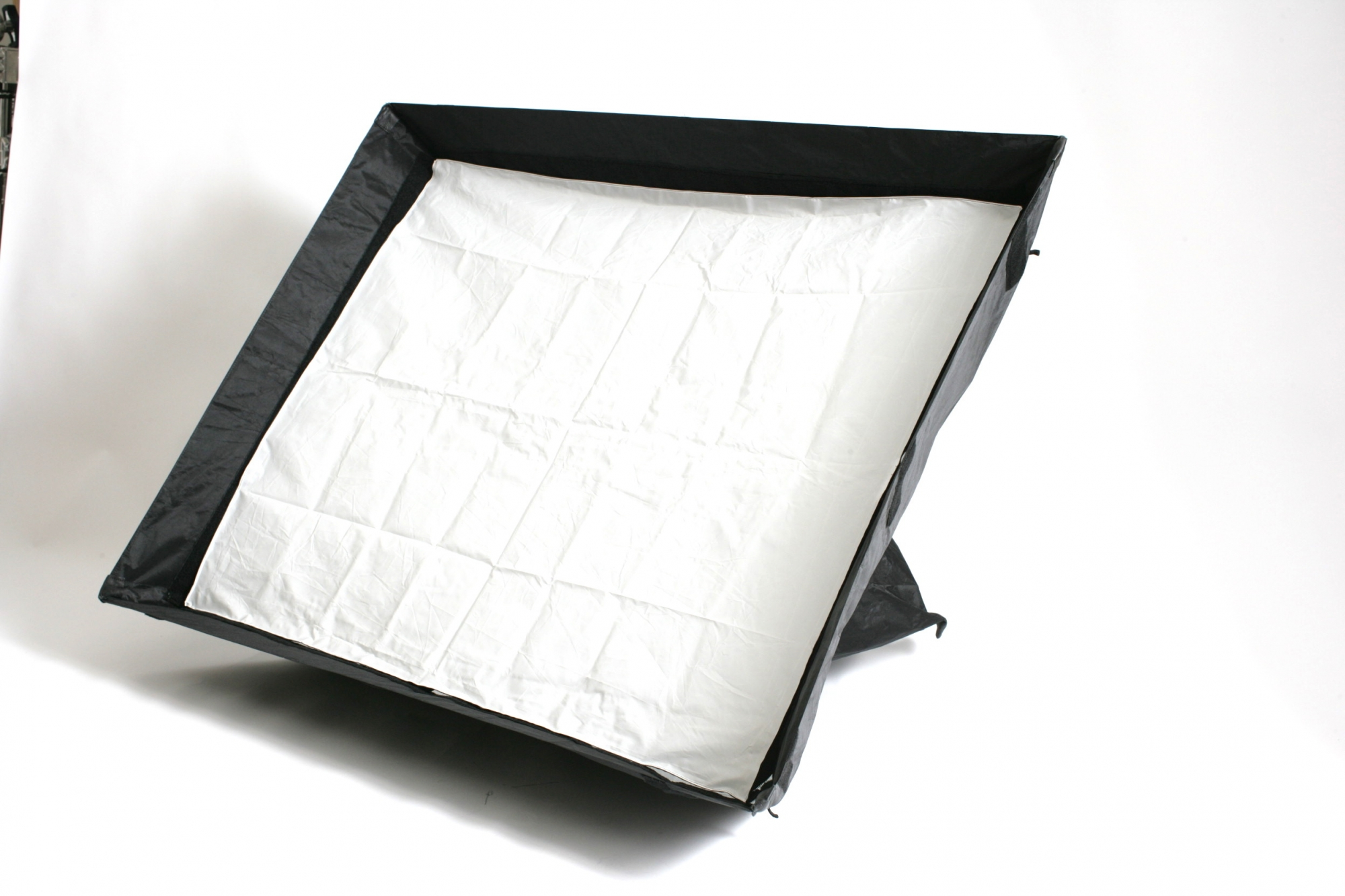 2 x Profoto soft boxes 3 X4 feet £10 per day