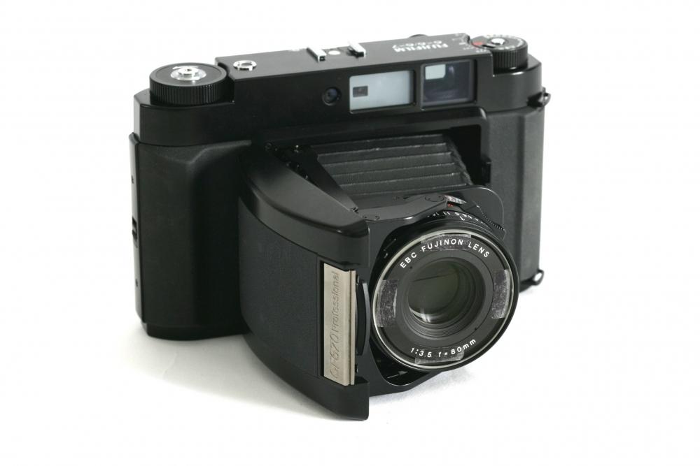 Fujinon 6 x 6 – 7 fixed 80mm F:3.5 lens £65-00