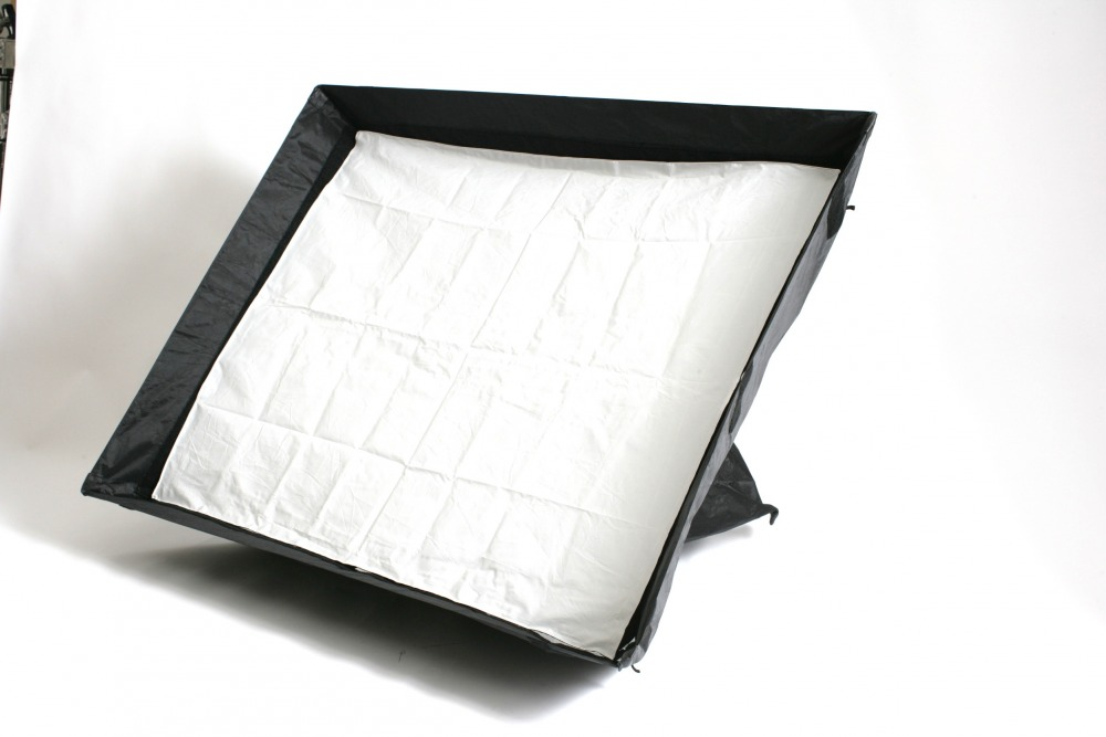 2 x Chimera oblong  3 x 4 ft soft box